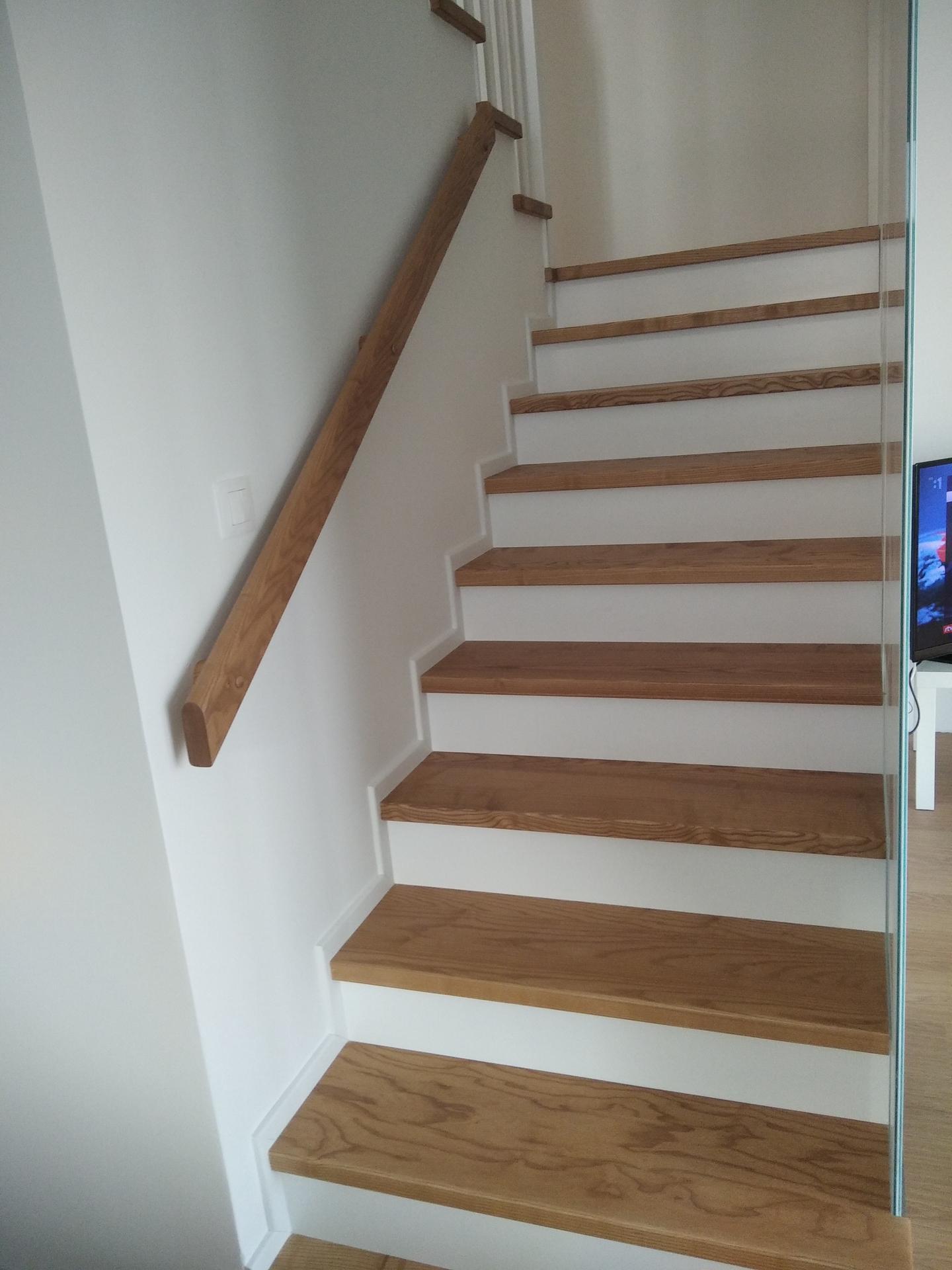 výroba drevených schodov a zábradlia na mieru - Obrázok č. 1