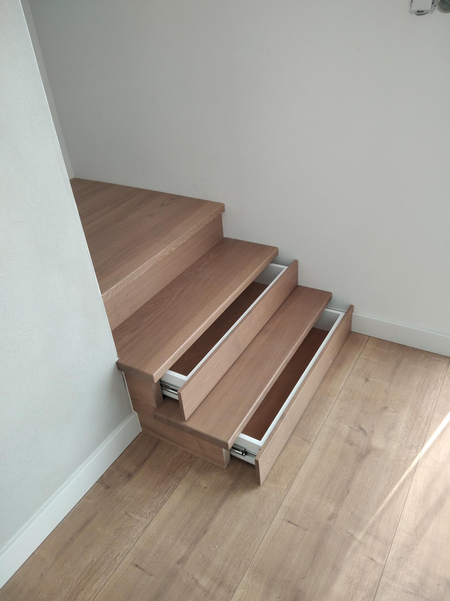 výroba drevených schodov a zábradlia na mieru - Obrázok č. 2