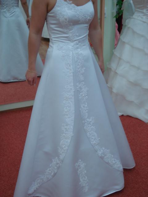 *Daniela+Milan*  príprava -18.10.2008 - tretie skúšané šaty
