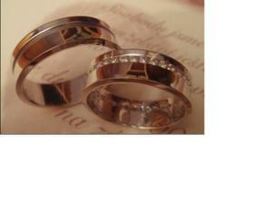 vítězné prstýnky...., jen nevím - bílé, nebo tradice?