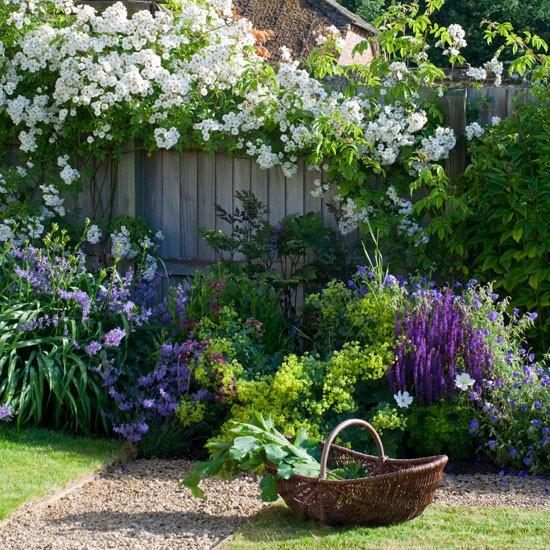 ... keď záhrada rozkvitne ... - Obrázok č. 13
