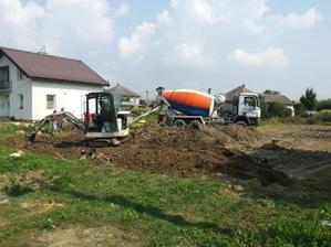 8.9.2014 - základy domu