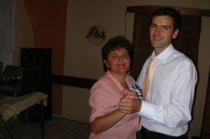 s mojou mamkou...ale sa im tancuje..