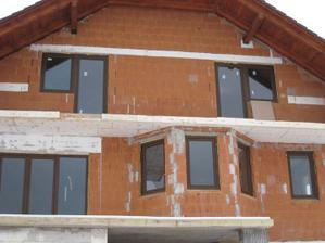 A toto sú naše okienka:-)