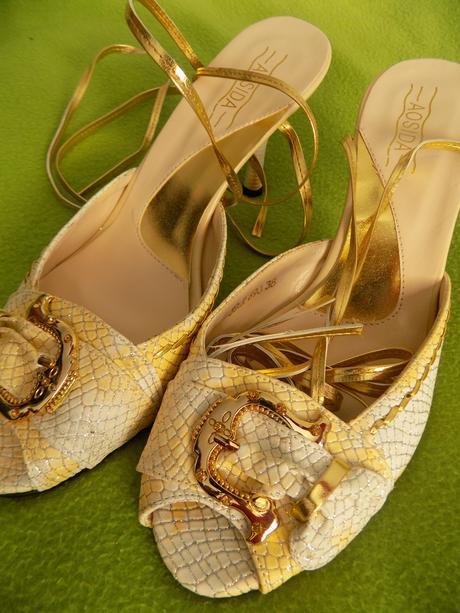 Zlaté new sandálky - Obrázok č. 3