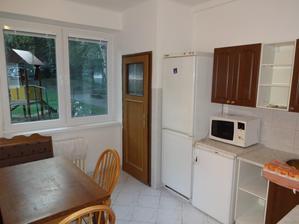 kuchyna povodny stav pohlad od dveri