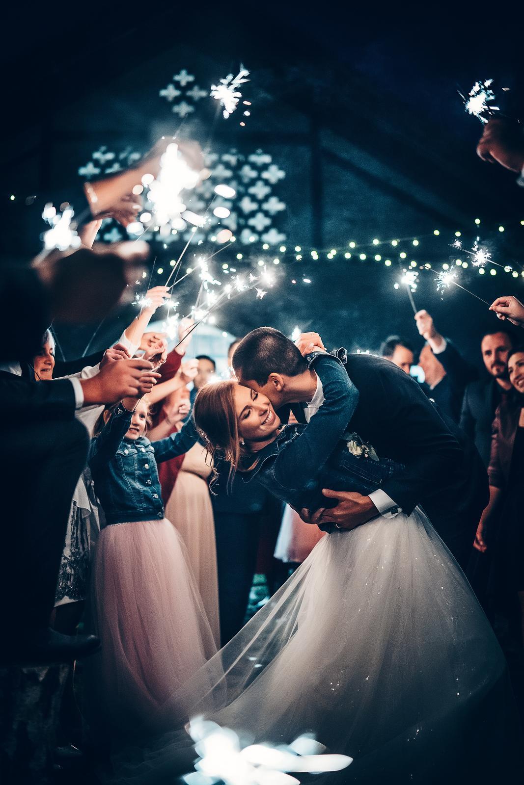 Krásný den,  kdybych nevěstu zaujala... - Obrázek č. 1
