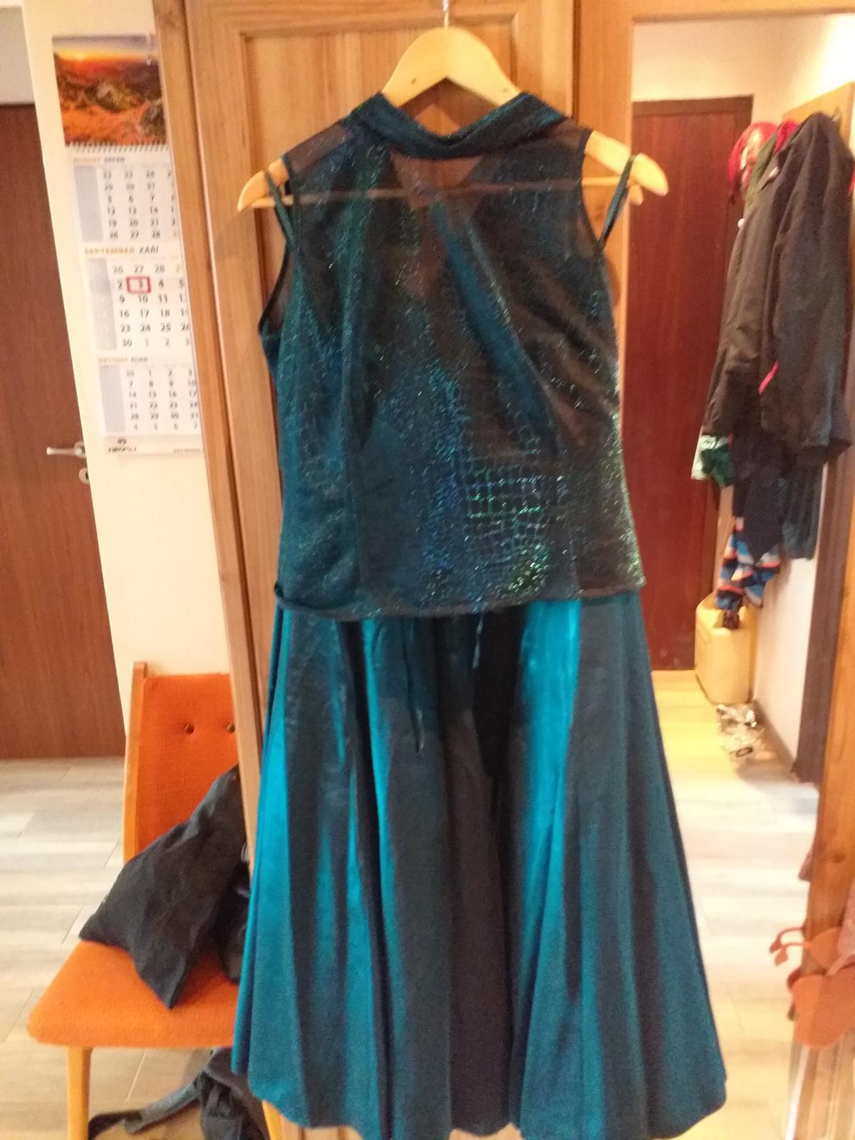 Tmavozelené šaty  - Obrázok č. 2
