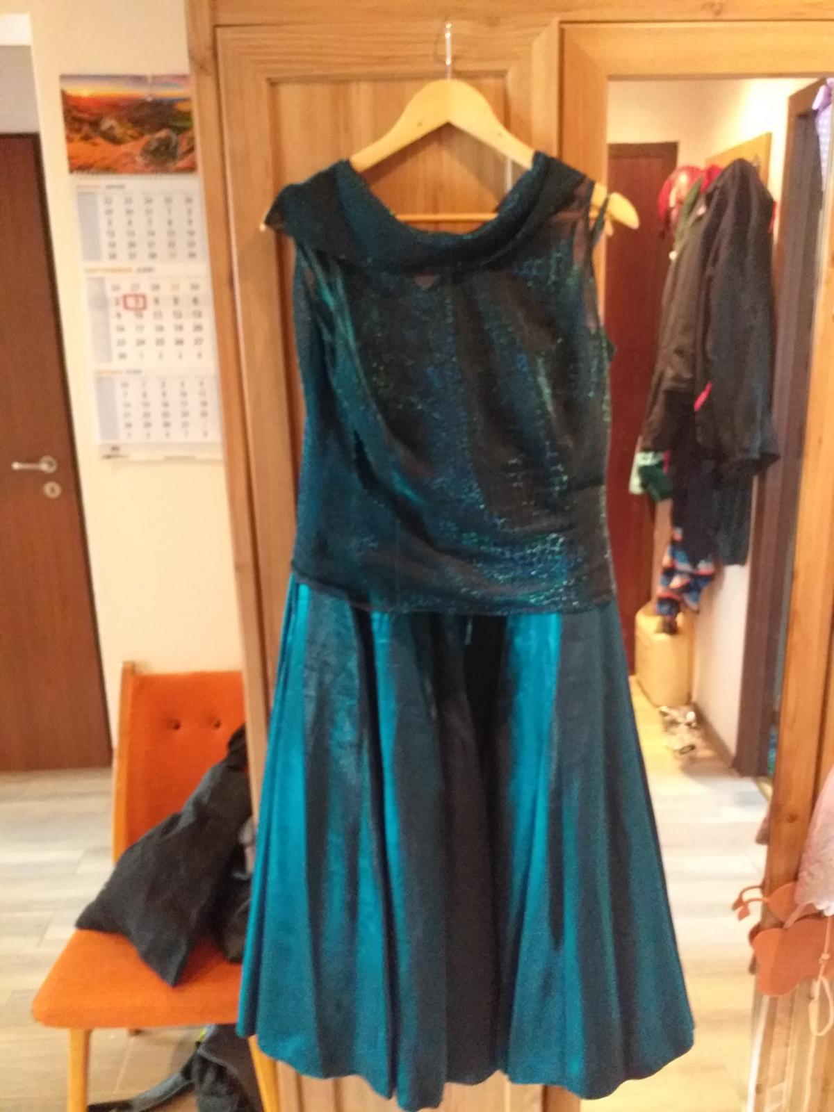 Tmavozelené šaty  - Obrázok č. 1