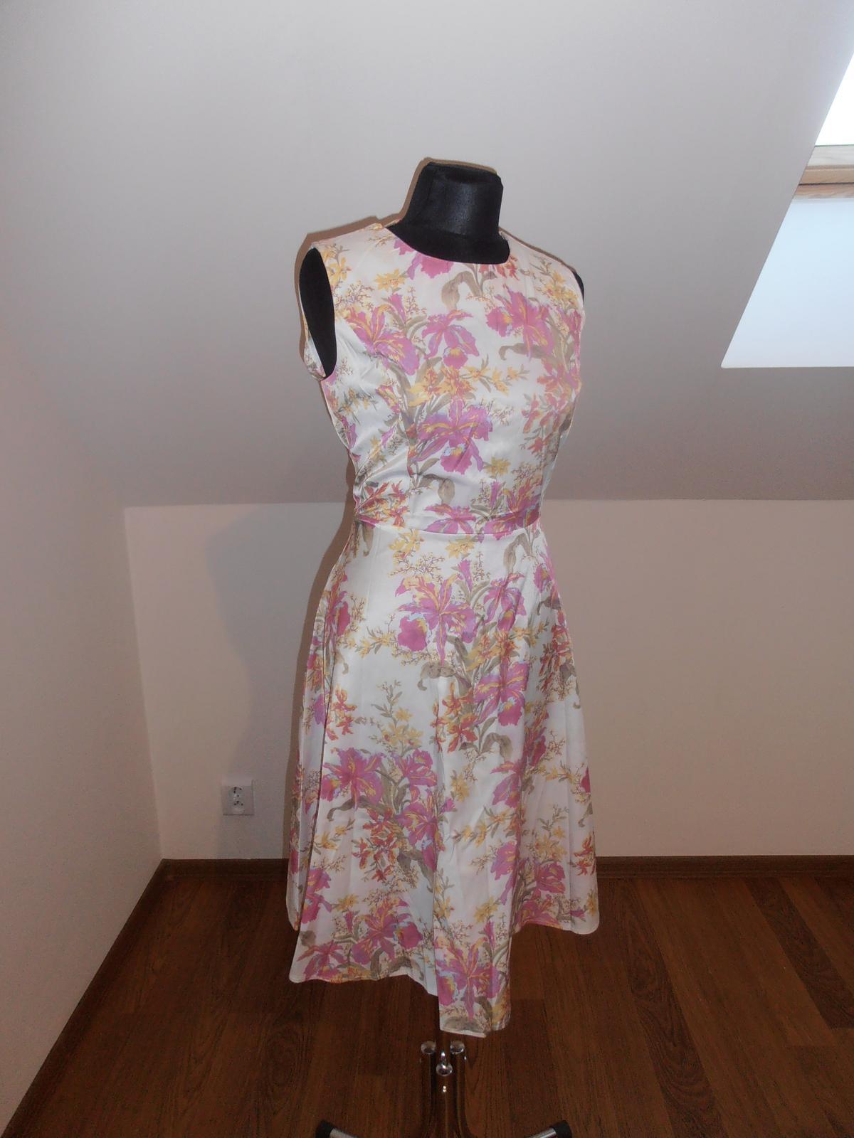 Kvetinové šaty - Obrázok č. 1