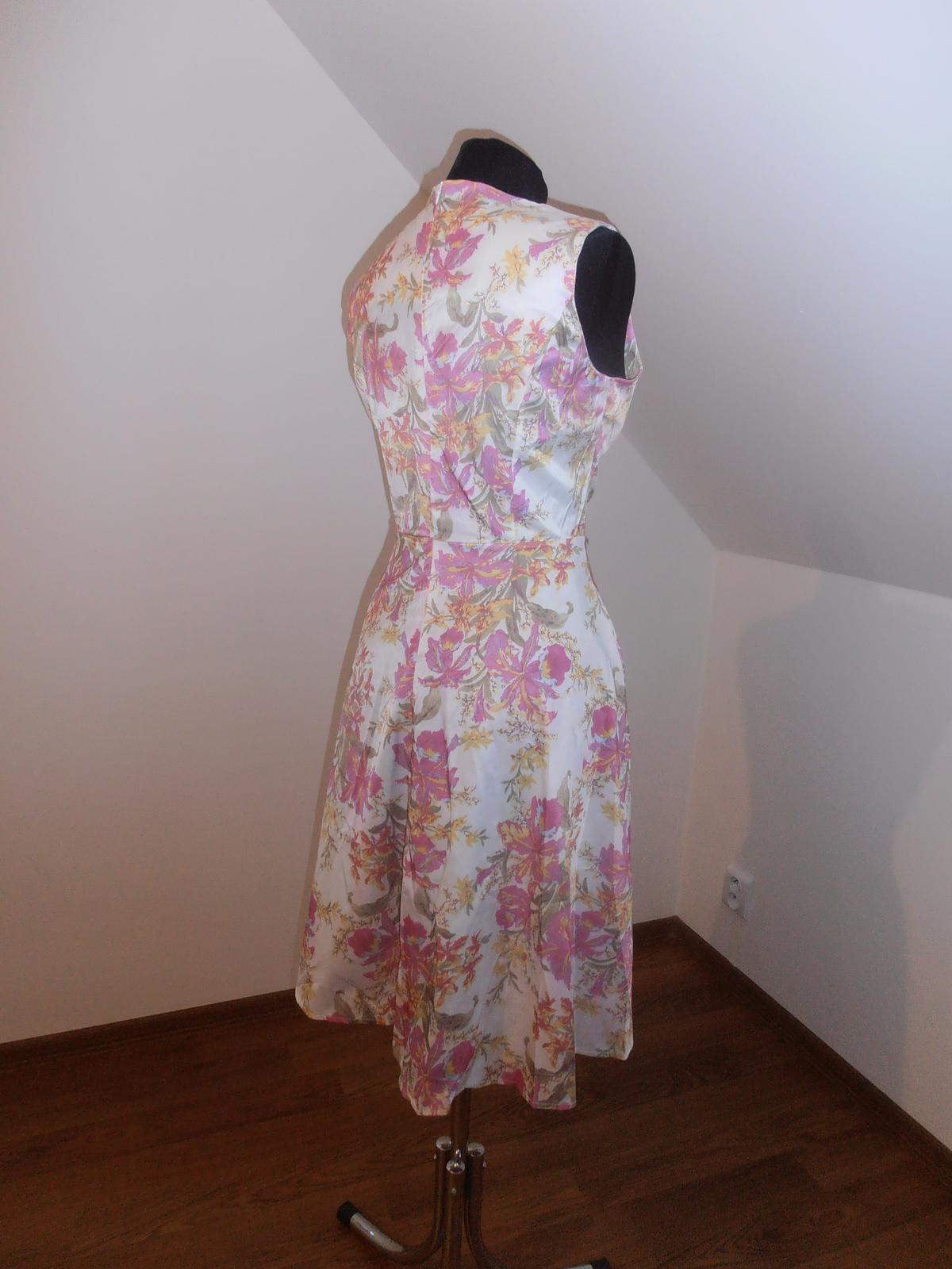Kvetinové šaty - Obrázok č. 2