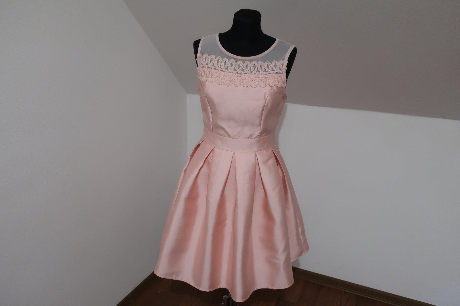 Ružové šaty - Obrázok č. 1