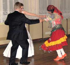a nas spolocny tanec
