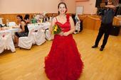 červené spoločenské šaty, 44