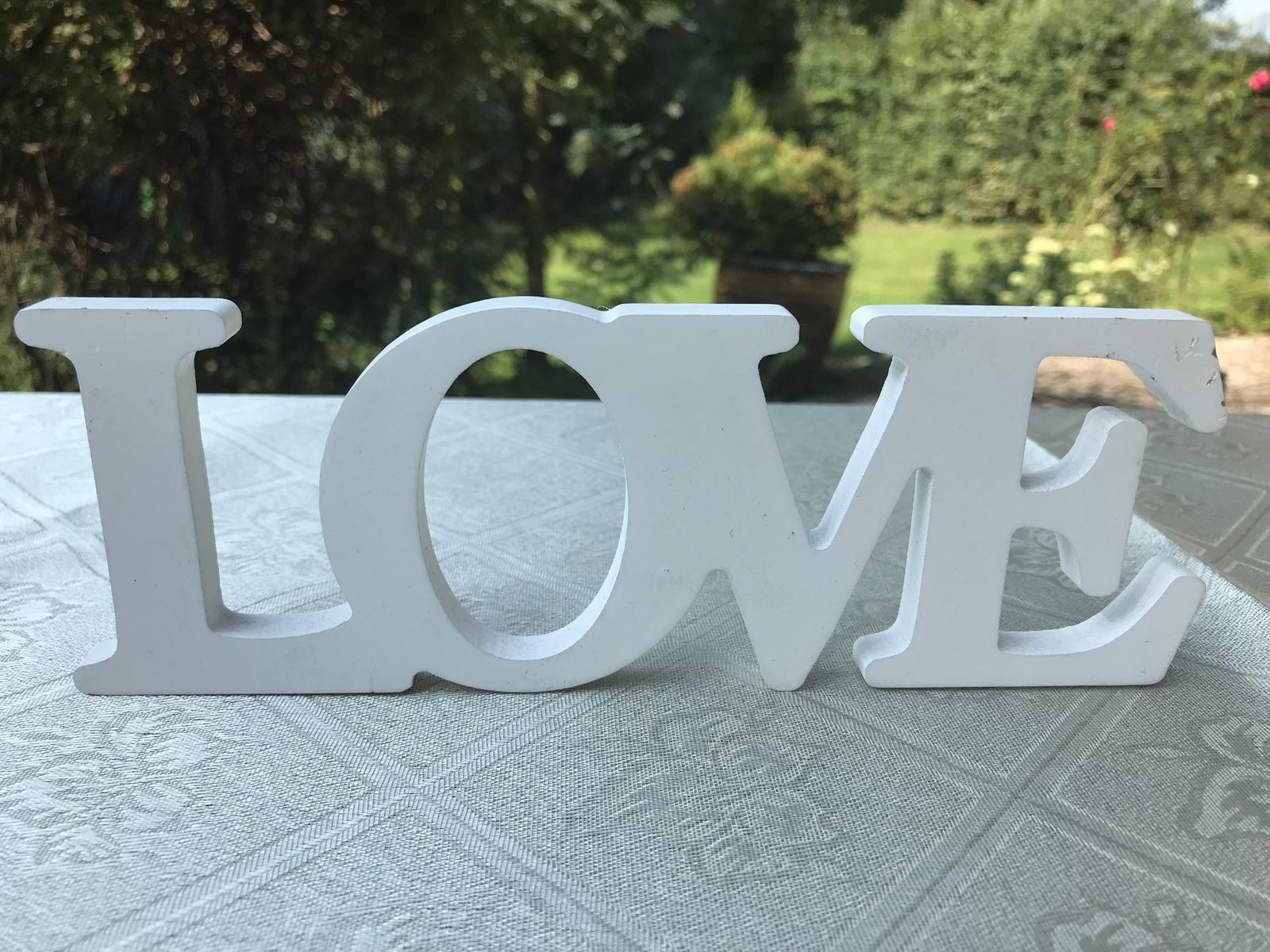 Dřevěný nápis LOVE - Obrázek č. 1