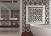 Talianske ručne maľované dlaždice (zem aj stena), vo viacerých štýloch, pre ktoré je charakteristický triezvy a elegantný vkus.