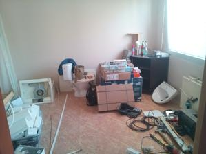 Pokojík jako skladiště materíálu :D