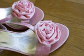 Růžové sandálky s ozdobnou kytičkou, 38