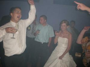 tancovalo a spievalo sa v plnom prude