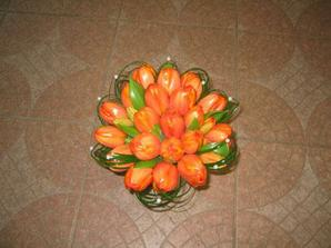 ...a tady ve vybrané oranžové barvě ;o)
