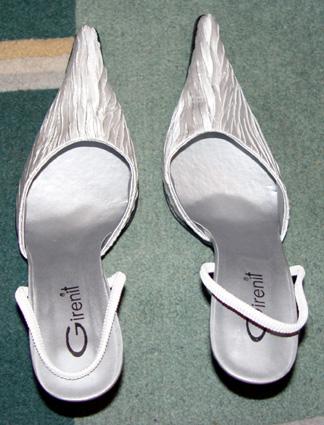 Svadobné oznámenie a ostatné na 1.10.2005 - topánočky 1