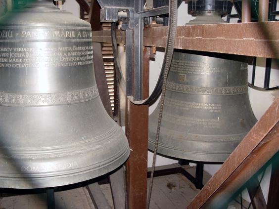 Svadobné oznámenie a ostatné na 1.10.2005 - nakoniec nám to odbijú tieto zvony