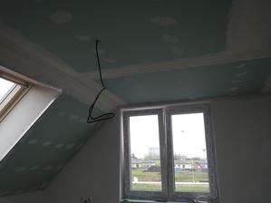 podlahy hotový, stropy zaklopený, tento týden se začíná s obklady a dlažbou...