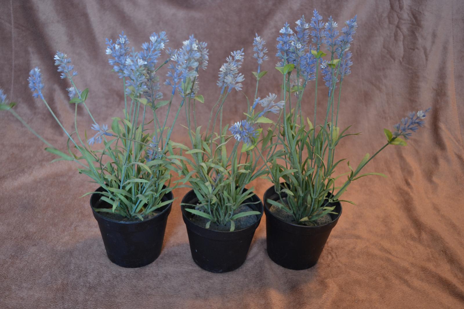 Umelé kvety v črepníkoch - Obrázok č. 1
