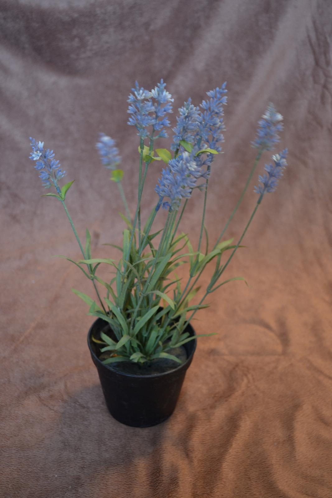 Umelé kvety v črepníkoch - Obrázok č. 2