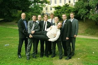 ...potencionální náhradníci pokud by se ženich nedostavil...
