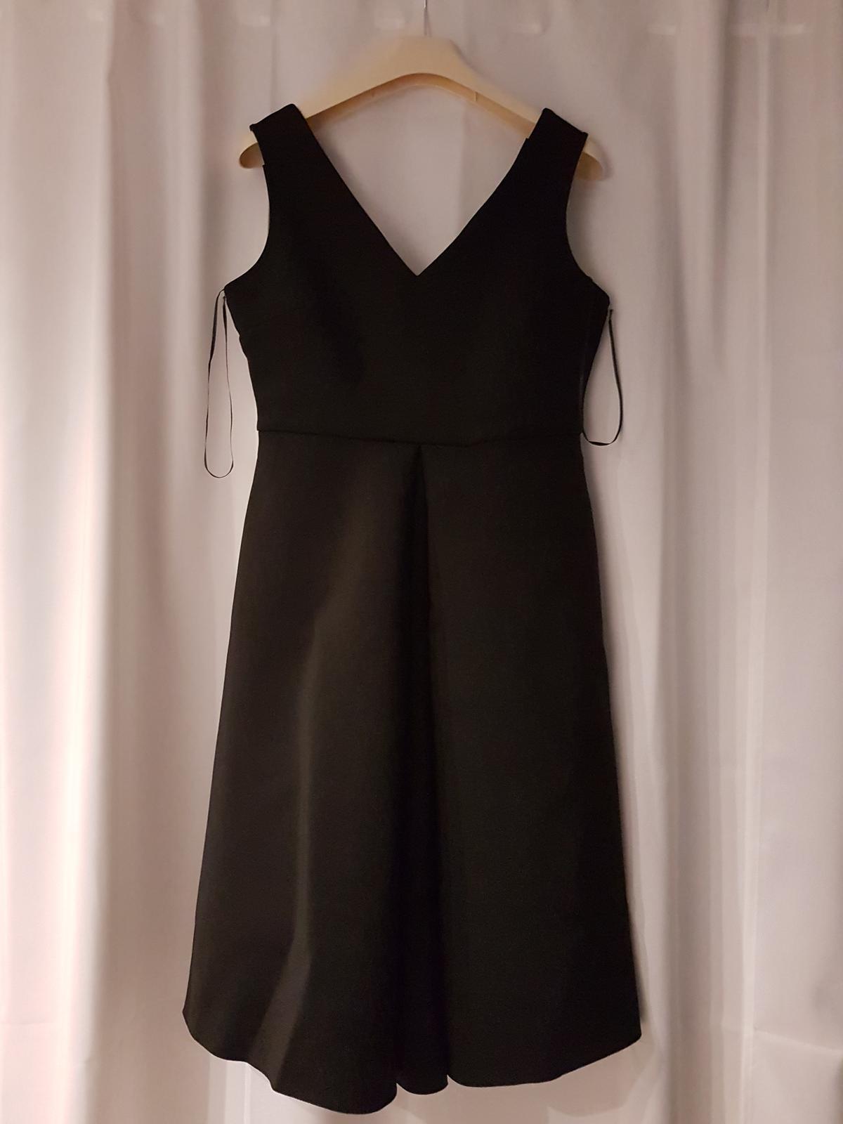 Čierne šaty s vreckami - Obrázok č. 1