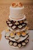 poschodovy stojan na tortu a muffiny,