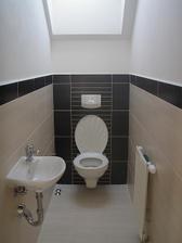 Horní WC - obklad Madera