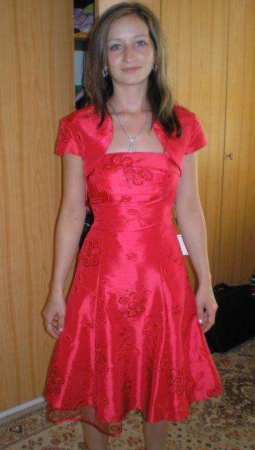 Martin a Lenka - šaty na redovy