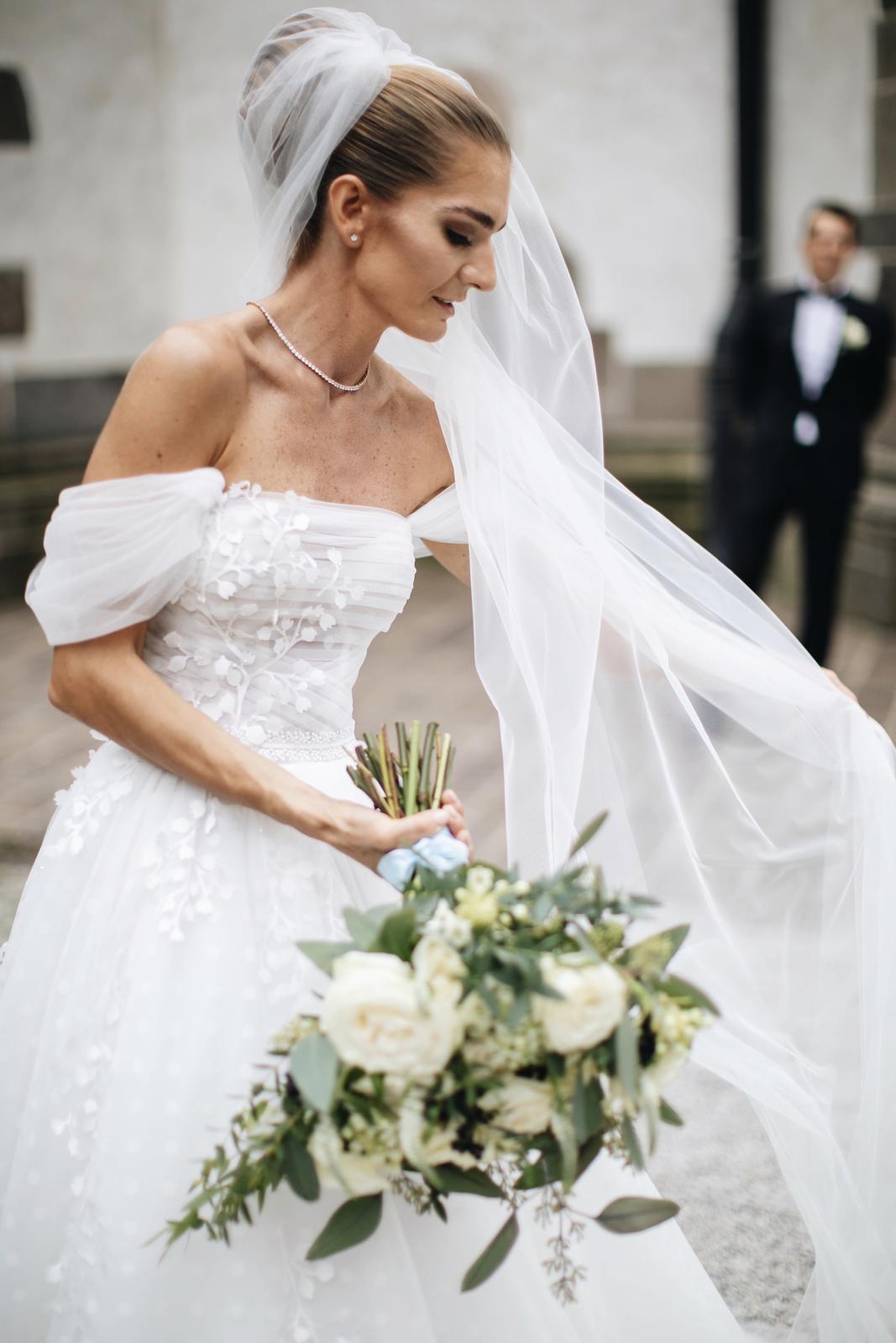 Netradičné svadobné šaty - Obrázok č. 1