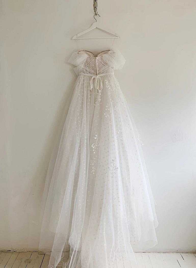 Netradičné svadobné šaty - Obrázok č. 3