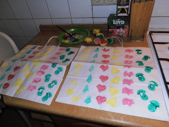 Naše handmade Vánoce 2012 - maminka v noci před Mikulášem tvořila taštičky na nadílku