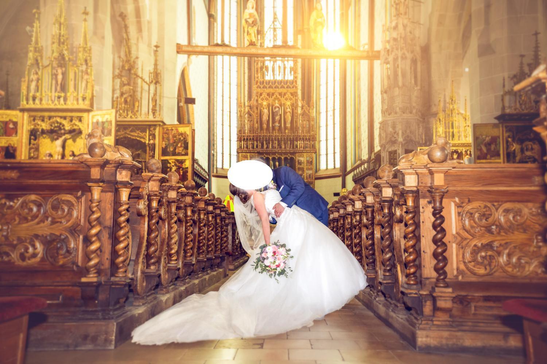 svatební šaty značky Modeca - Obrázek č. 1