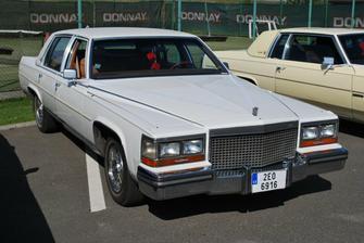 Cadillac Brougham rok výr. 1988