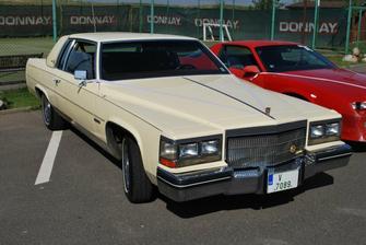 Cadillac Coupe de Ville rok výr. 1981