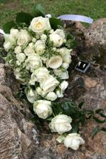 Krasna kytica, presne taku som chcela, pani kvetinarka ju urobia tak ako som jej povedala, mala sice okolo 3 kg, ale to vobec nevadilo