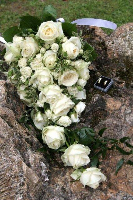 Monika Rosinová{{_AND_}}František Krázel - Krasna kytica, presne taku som chcela, pani kvetinarka ju urobia tak ako som jej povedala, mala sice okolo 3 kg, ale to vobec nevadilo