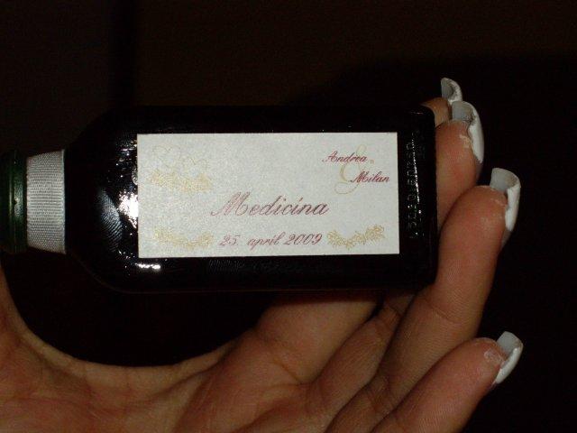 """Ada a miki, 25.4.2009 - aj s nalepkou """"medicina"""""""