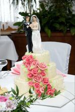 Svatební třípatrový dort