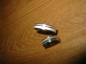 naše koupené prstýnky