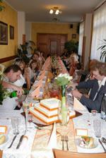 hostina v plném proudu
