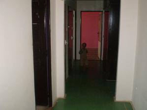 Chodba-lava strana detska,wc,kupelka,chodba do kuchyne ,priamo dvere do obyvacky