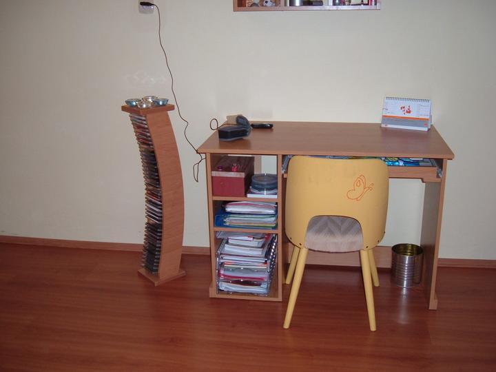 S tejto stolisky by som mala rada este nejaky osoch..