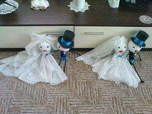 na stůl a na auto nevěsty