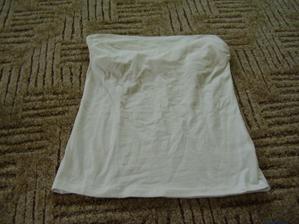 ... a nebo k žluté sukni bude top bez ramínek - ovšem ještě ho nazdobím něčím žlutým - je moc holý